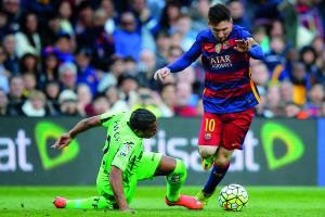 Lionel Messi, Alvaro Pereira